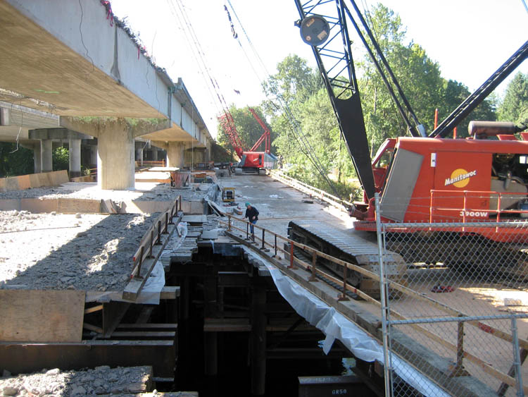 McKenzie River Bridge Work Bridge and Containment Platform 3