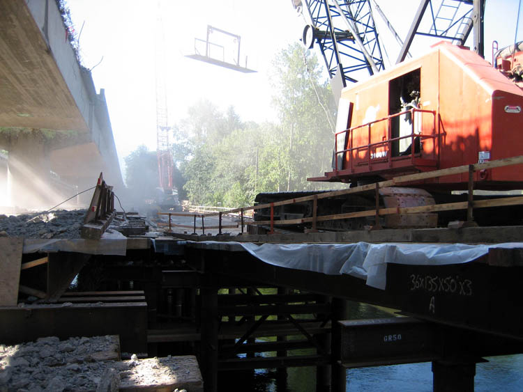 McKenzie River Bridge Work Bridge and Containment Platform 4